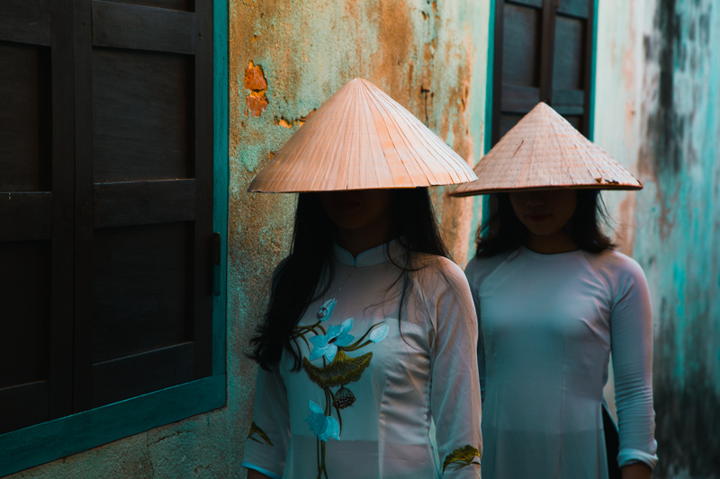 Faceless Beauty | Hội An, Vietnam by Robert Metz