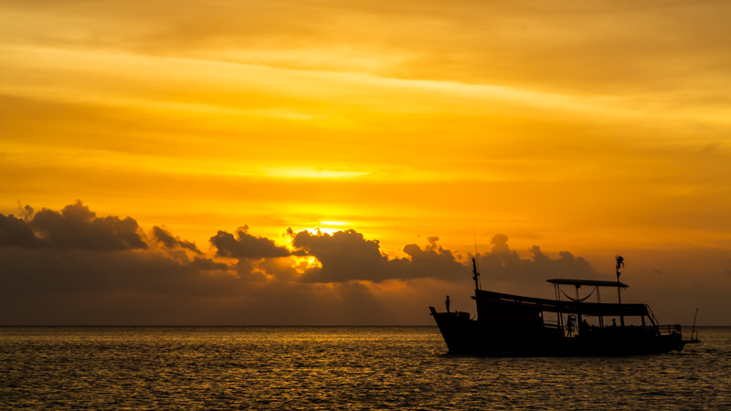 Sunset with Diving Boat | Gulf of Thailand by Robert Metz