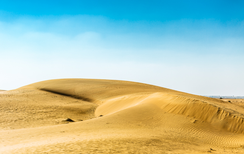 Dunes | Dubai, UAE by Robert Metz