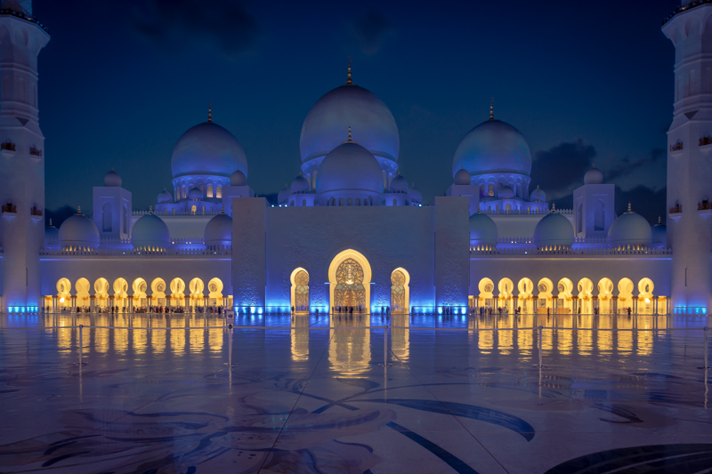 Sheikh Zayed Grand Mosque at Night | Abu Dhabi, UAE by Robert Metz